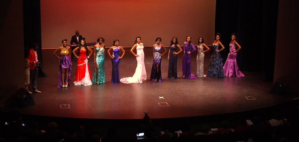 Black Beauty 2013 - Robert on stage with Top 11